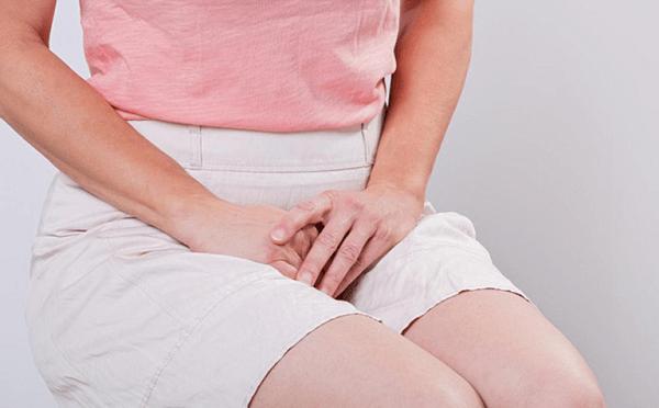 Khí hư có màu nâu bất thường có thể là do bị thương, nhiễm trùng